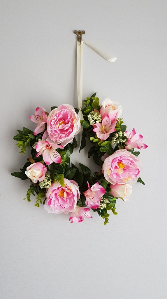 Spring wreath artificial flowers
